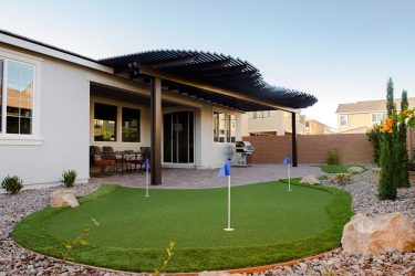 Backyard - Salomon Homes